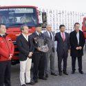 Mitsubishi Fuso ofereceu três viaturas aos bombeiros